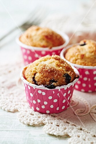 Blueberry muffins with brown sugar