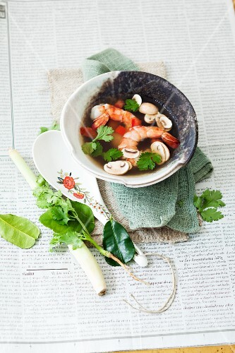 Prawn soup with mushrooms and coriander (Thailand)