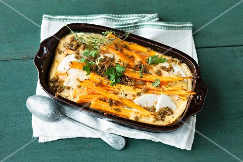 Vegetable gratin with kohlrabi and carrots