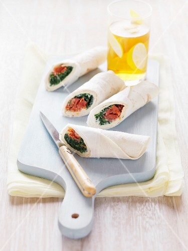Spinach and tomato wraps