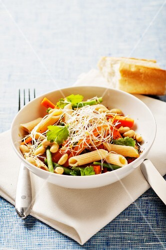 Pasta salad with carrots, soy beans and green beans