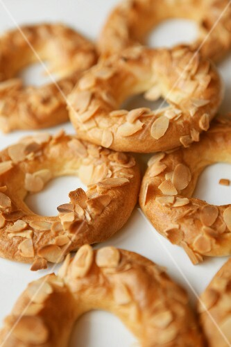 Choux pastry rings with slivered almonds