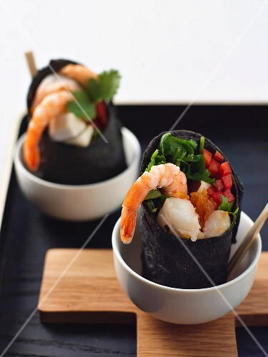 Squid wraps with prawns, papaya and peppers