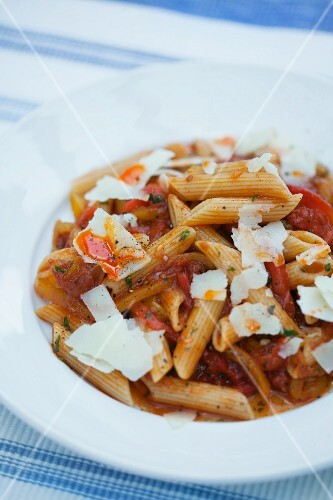 Penne with pepper sugo