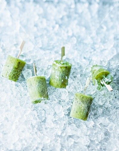 Kiwi and apple ice lollies