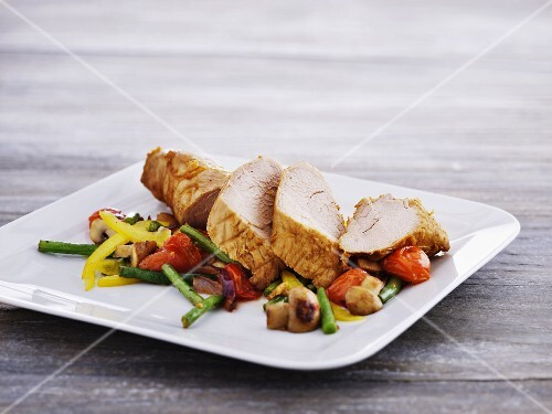 Chicken breast with a side of vegetables