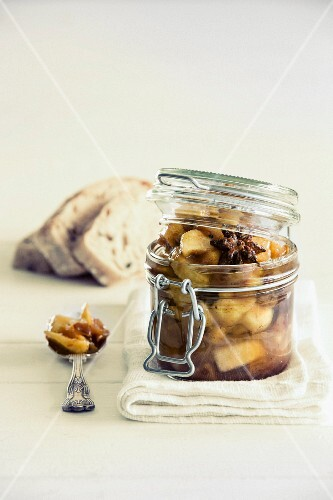 Apple and dates achaar with cinnamon