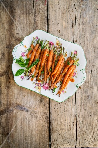Roast carrots with mint and Moroccan spices
