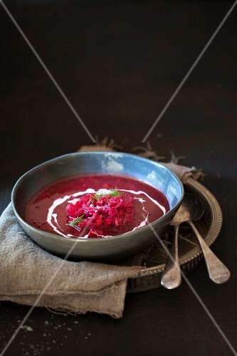 Borschtsch (beetroot soup)
