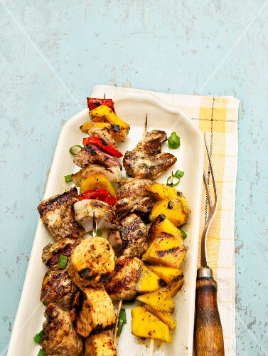 Grilled pepper and pineapple skewers