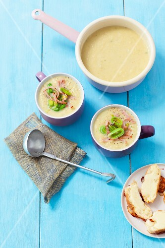 Cream of leek soup with ham