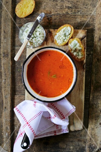 Roasted tomato soup with cheese croutons