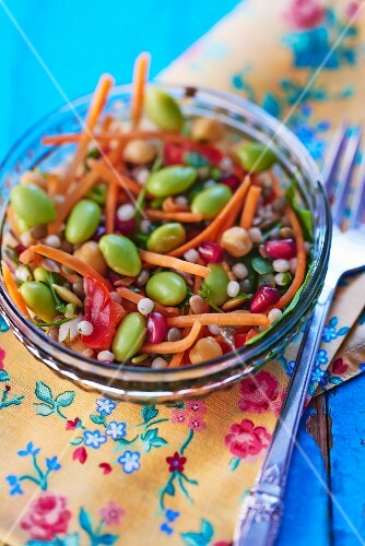 Carrot salad with beans and lentils