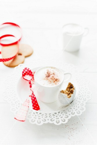 A cappuccino and pepper nut biscuits for Christmas