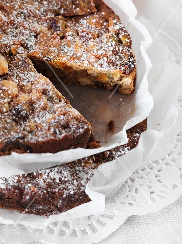 Panforte with apricots, figs and oranges, sliced
