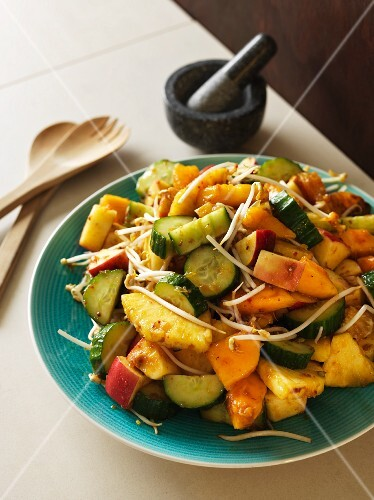 Balinese vegetable salad with pineapple and bean sprouts