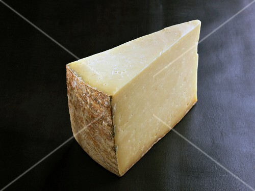 Cantal (French cow's milk cheese)