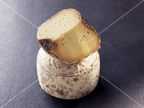 Le Medieval – French sheep's milk cheese