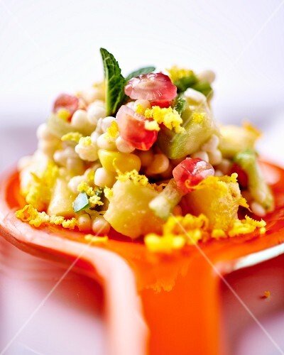 Bulgur salad with fruit and vegetables