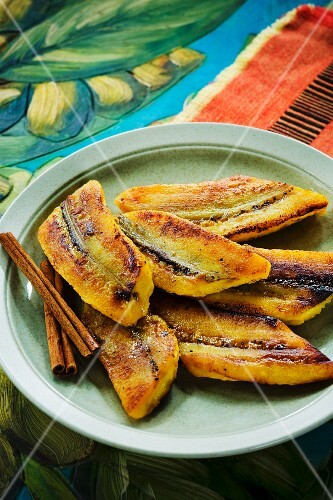 Fried plantains with cinnamon (Caribbean)