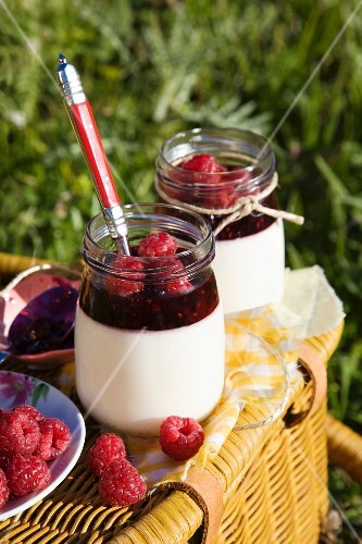 Lemon syllabub with raspberries for a picnic