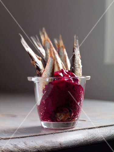 Sprats with beetroot sauce