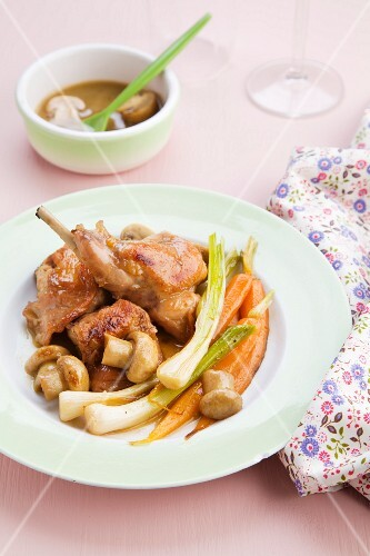 Rabbit with young garlic, carrots, mushrooms and port wine gravy