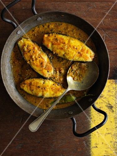 Halibut in a curry mustard sauce (Bengal)