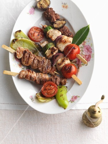 Ramadan skewers with lean meats, tomatoes, courgettes and peppers