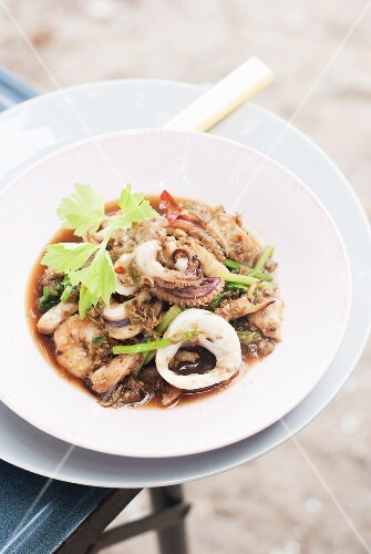 Fried mixed seafood with chilli paste (Thailand)