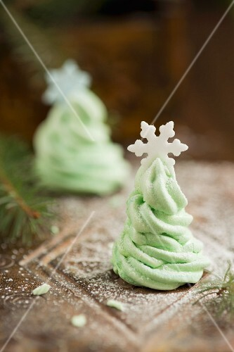Green meringue Christmas trees