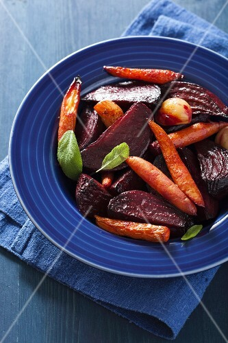 Oven-roasted beetroot and carrots with sage and garlic