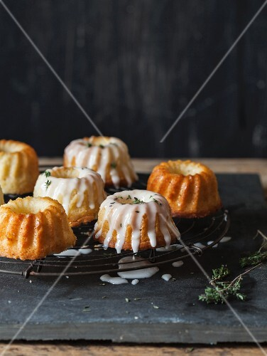 Mini Bundt cakes with lemon glaze and thyme
