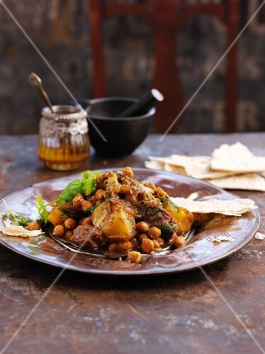 Beef and chickpea tagine (North Africa)
