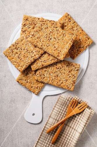 Crispbread with sesame seeds