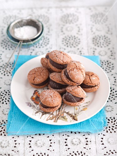 Amaretti with chocolate