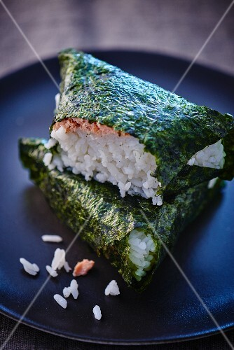 Algae parcel with rice and salmon (Japan)