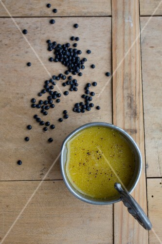Vinaigrette and beluga lentils