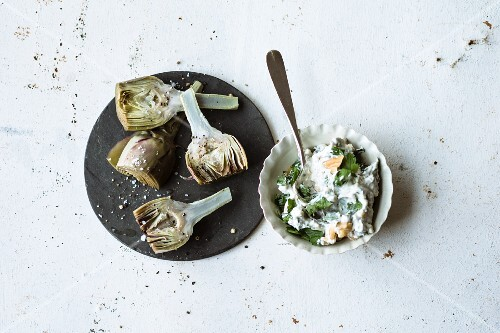 Mini artichokes with herb quark