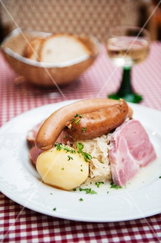 Choucroute garnie (Alsatian speciality with various meats and cold cuts, potatoes and sauerkraut)