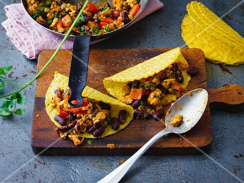 Spicy tacos with chicken chilli