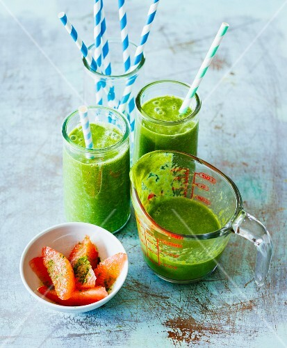 Grapefruit and orange smoothie with chard, aloe vera and barley grass powder