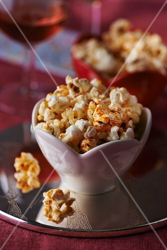 Spicy popcorn with chilli powder
