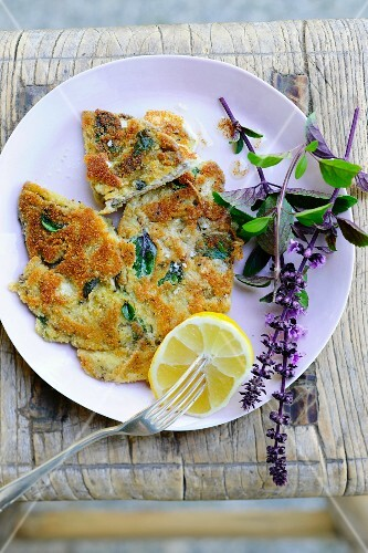 Basil escalopes with lemon