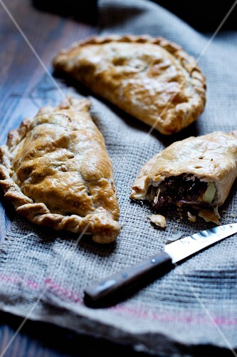Cornish pasties, whole and sliced (England)