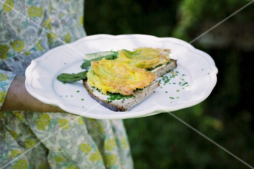 Courgette flower piccata on chive bread