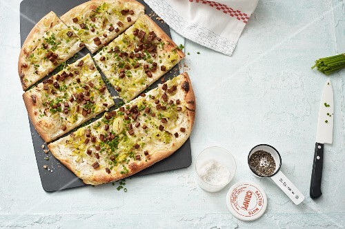 Vegan leek tarte flambée with smoked tofu