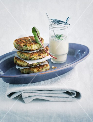 Kohlrabi fritters with a chive and honey dip