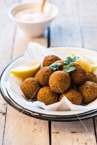 Falafel with lemon wedges