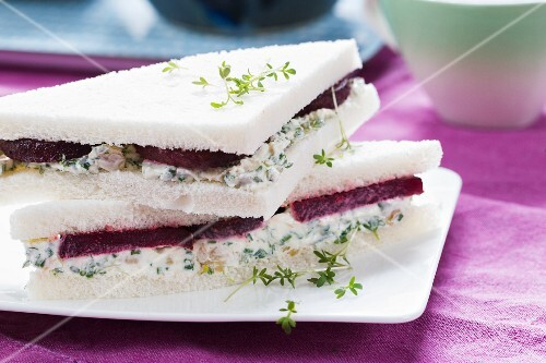 Beetroot sandwiches